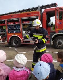 Strażacy uczyli dzieci