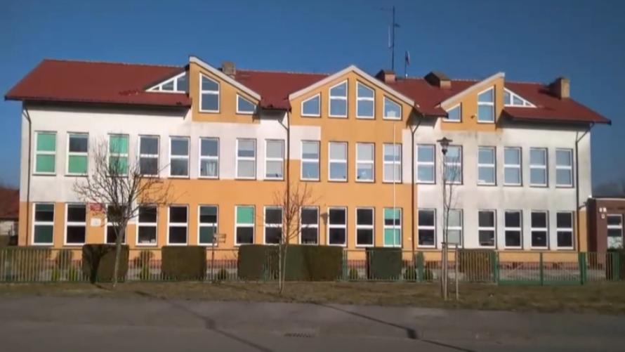 Rekrutacja uzupełniająca w szkole podstawowej w Dźwirzynie.