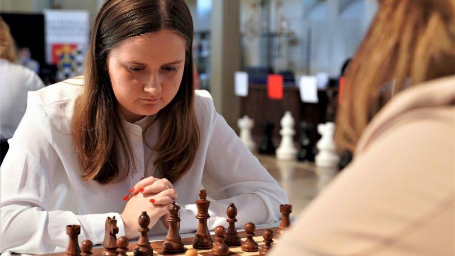 Julia arcymistrzynią szachową